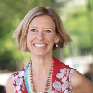 Eva Oberle, psicóploga asistente en el programa de Aprendizaje Humano Temprano de la Universidad de Columbia